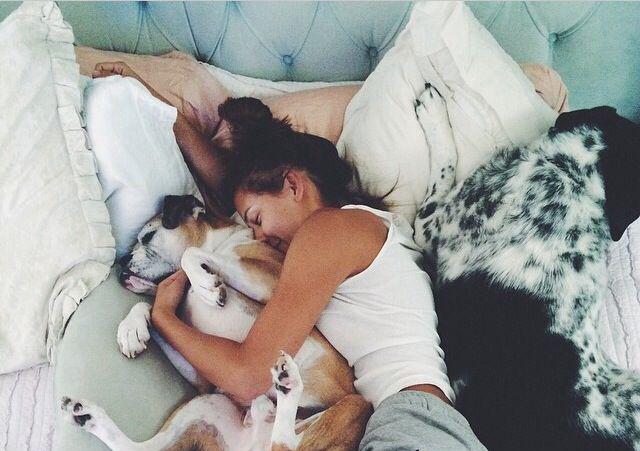 Beneficios de dormir con tu peludito